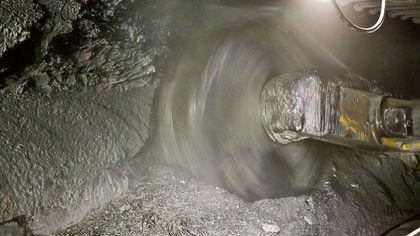 Один шахтер погиб и несколько пострадали в результате аварии на кузбасской шахте