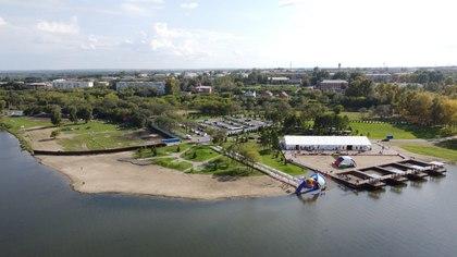 Первые соревнования на открытой воде прошли в новой кузбасской бухте