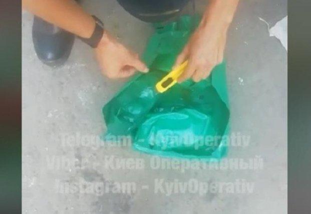 В Киеве Нацгвардейцам выдали сухпаек с личинками (видео)