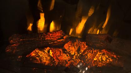 Дети устроили игры с огнем в Кемерове