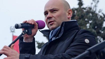 Полицейские задержали российского оппозиционера Пивоварова сразу после освобождения из-под ареста