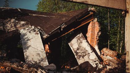 Потолок обрушился в киселевской квартире