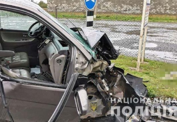 Под Ровно в жутком ДТП погибла беременная женщина - она ехала в роддом (фото)