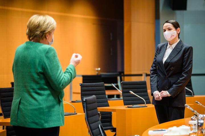 «За мной - страна»: Тихановская - о Меркель, Макроне и почему не называет себя «президент Света»