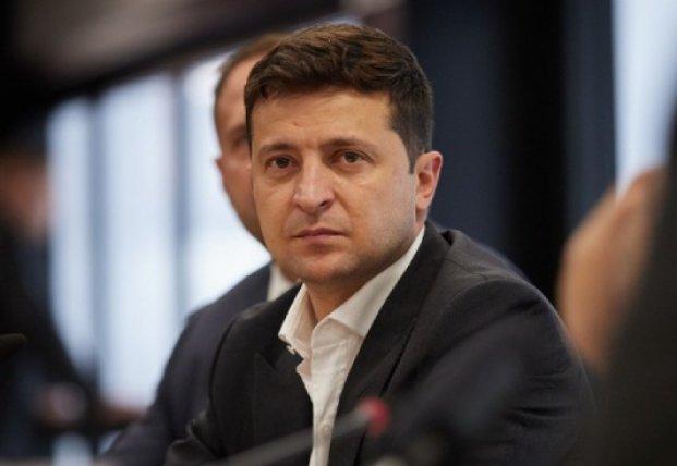 Времени у Зеленского все меньше: бездействие власти снижают шансы на спасение украинцев