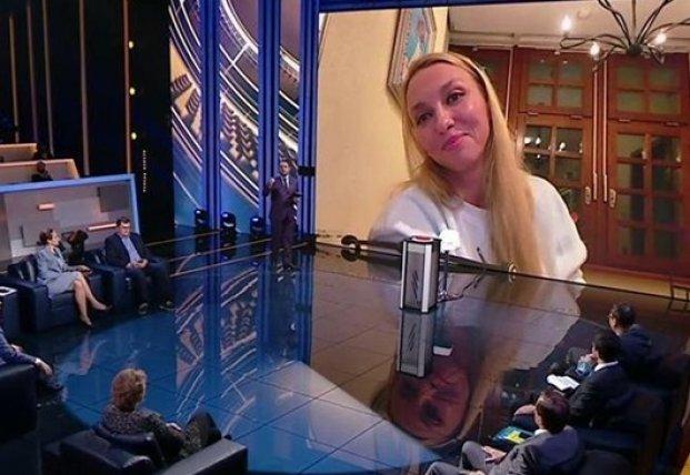 Оля Полякова поспорила с министром в прямом эфире (видео)
