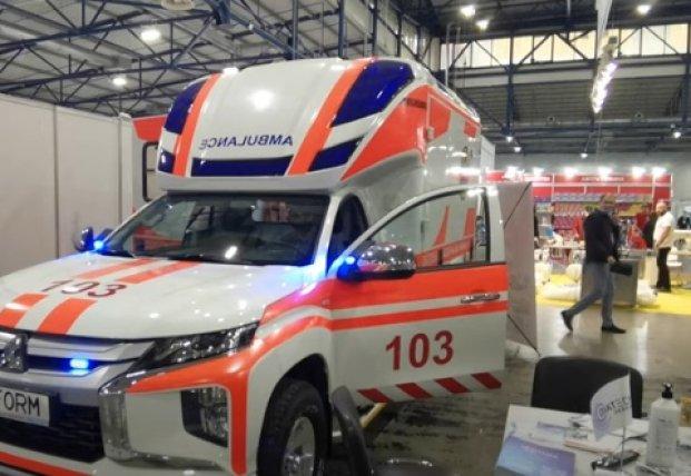 В Украине презентовали новейшую модель кареты скорой помощи с аппаратом ИВЛ (видео)