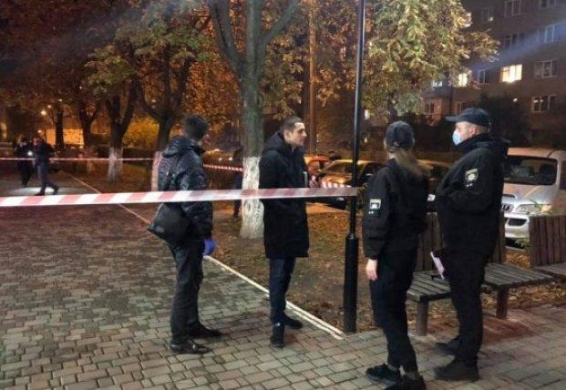 В Ивано-Франковске мужчина стрелял в прохожих, есть пострадавшие (фото)