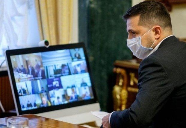 Зеленский и Глава Офиса президента Ермак заболели COVID-19