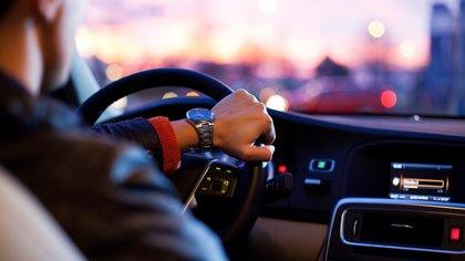 Сибирячка заявила в полицию на похваставшегося дорогим авто супруга в Хакасии