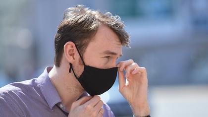 Российский врач назвал причину тяжелого протекания COVID-19 у мужчин