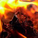 Серьезный пожар произошел рядом с кузбасским ТЦ