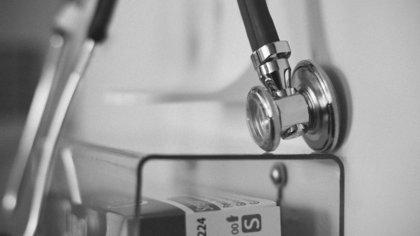 Врачи уральской больницы случайно проткнули школьнице легкое катетером