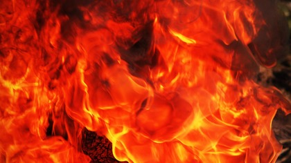 Видео с места крупного пожара в Кемерове появилось в Сети