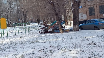 Коммунальщики в Кемерове оставили за собой свалку металлолома