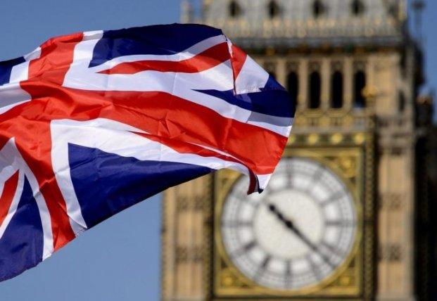 Условия поездок украинцев в Британию могут упростить