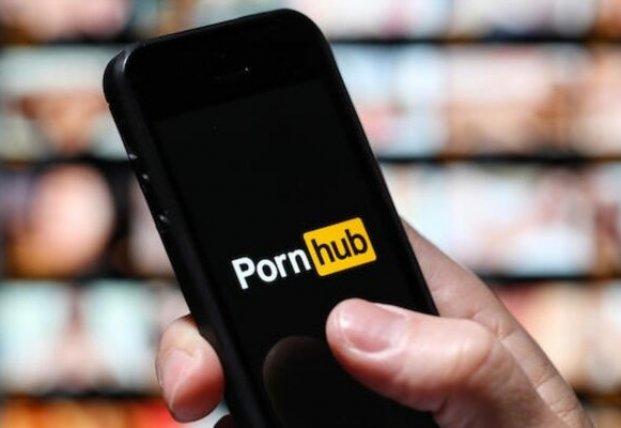 Крупнейший порносайт мира Pornhub удалил половину видео на сайте