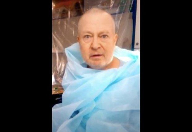 На Днепропетровщине пациента раздетым перевозили по улице в мороз (видео)