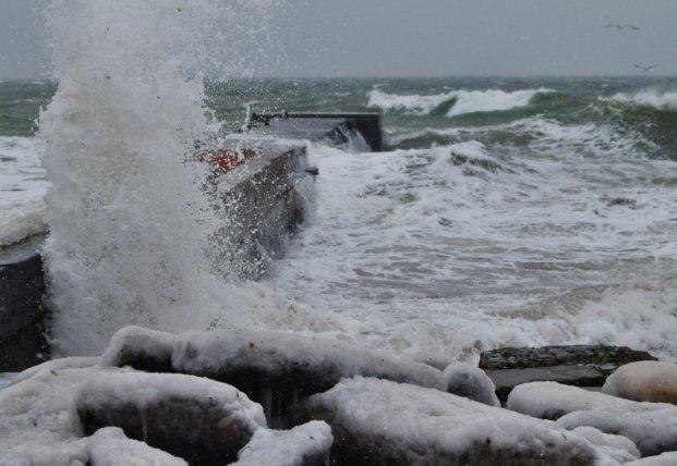 Прогноз погоды на 8 декабря: порывистый штормовой ветер и мороз