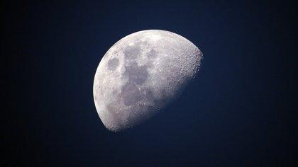 Китайский аппарат совершил успешную посадку на Луну