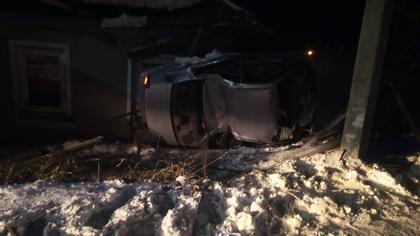 Автомобилистка и пассажир пострадали при опрокидывании иномарки в Кемерове