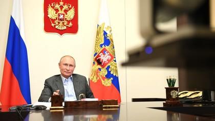 Путин призвал вести деятельность в Арктике с минимизацией рисков