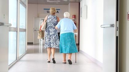 Восемь пенсионеров по ошибке получили пятикратную дозу вакцины в Германии