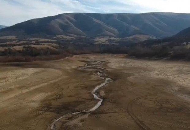 В Крыму полностью пересохло Аянское водохранилище (видео)