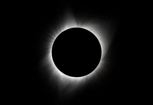 В 2021 году жители Земли смогут четыре раза наблюдать затмения: названы даты