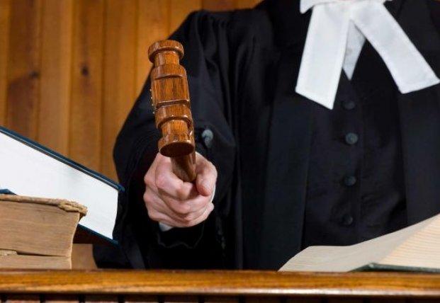 Суд разрешил заочное расследование против экс-командующего внутренних войск МВД
