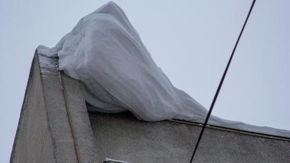 Есть погибшие: крыша ангара в Калужской области обрушилась из-за снега
