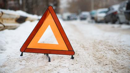 Три легковых автомобиля столкнулись на кузбасской трассе