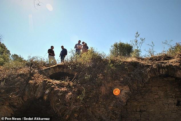 Археологи нашли римскую арену, которой 1800 лет (фото)