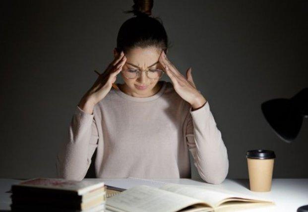 Ученые назвали продукт, который вызывает мигрень
