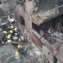 В Китае самолет упал на жилые дома, есть жертвы (видео)