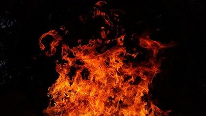 Четыре человека погибли при пожаре под Пермью