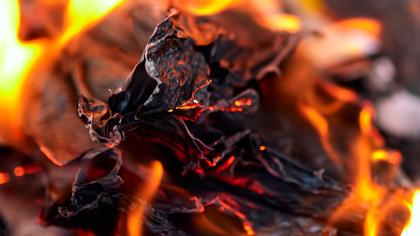 Пять человек пострадали при пожаре в пункте выдачи интернет-магазина в Карачаево-Черкесии