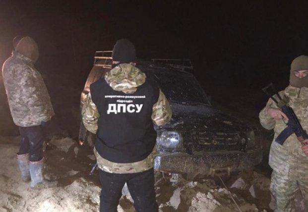 На Буковине пограничники стреляли по нарушителям (видео)