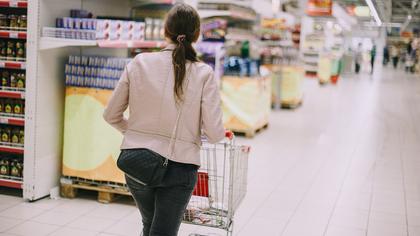 Цены на мясо и овощи в России выросли за месяц